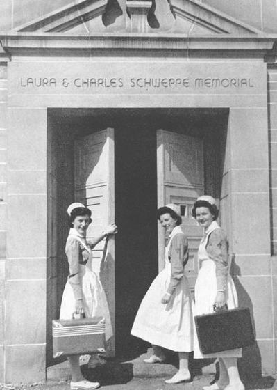 St. Luke's School of Nursing Students, Schweppe Memorial Entrance, 1948