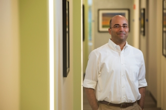 """Niranjan Karnik, MD, PhD Excellence in Community Service Associate Professor, Department of Psychiatry Medical Director, Road Home Program: The Center for Veterans and Their Families at Rush """"Dr. Karnik is a highly skilled and compassionate physician who has committed himself to the care of the underserved not only in our own community but across the country."""" — David Ansell, MD, MPH, Senior Vice President, System Integration"""